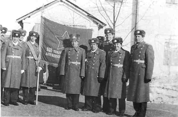 Прощание со знаменем полка (Леонидово, 1989 год). Из архива А.Сивкова